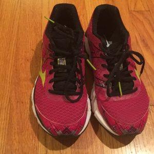 Mizuno Shoes - Mizuno 10th Anniversary Wave Inspire Running shoes